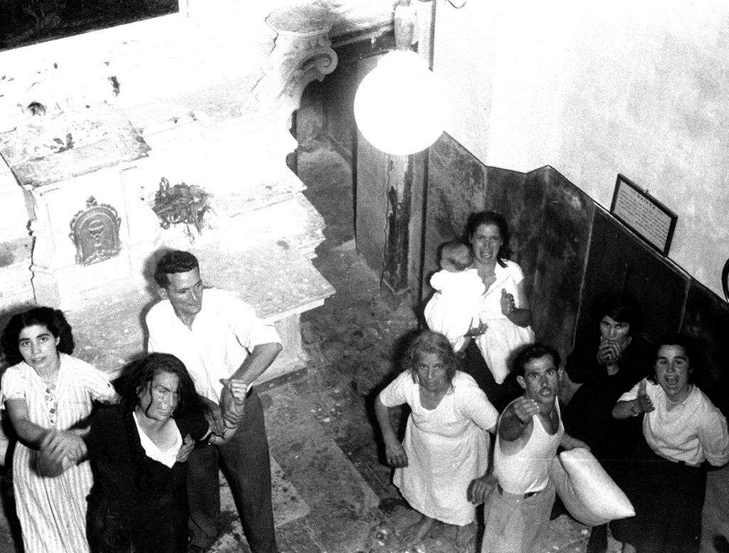 Tarantismo, Galatina, 1954. Photo © Chiara Samugheo