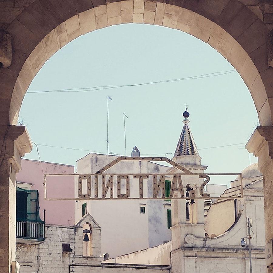 Letters from Puglia_Molfetta (BA), S. Antonio_Futuro Arcaico