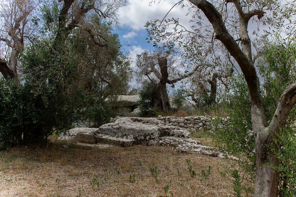 Rita Gadau — I massi della vecchia — Futuro Arcaico