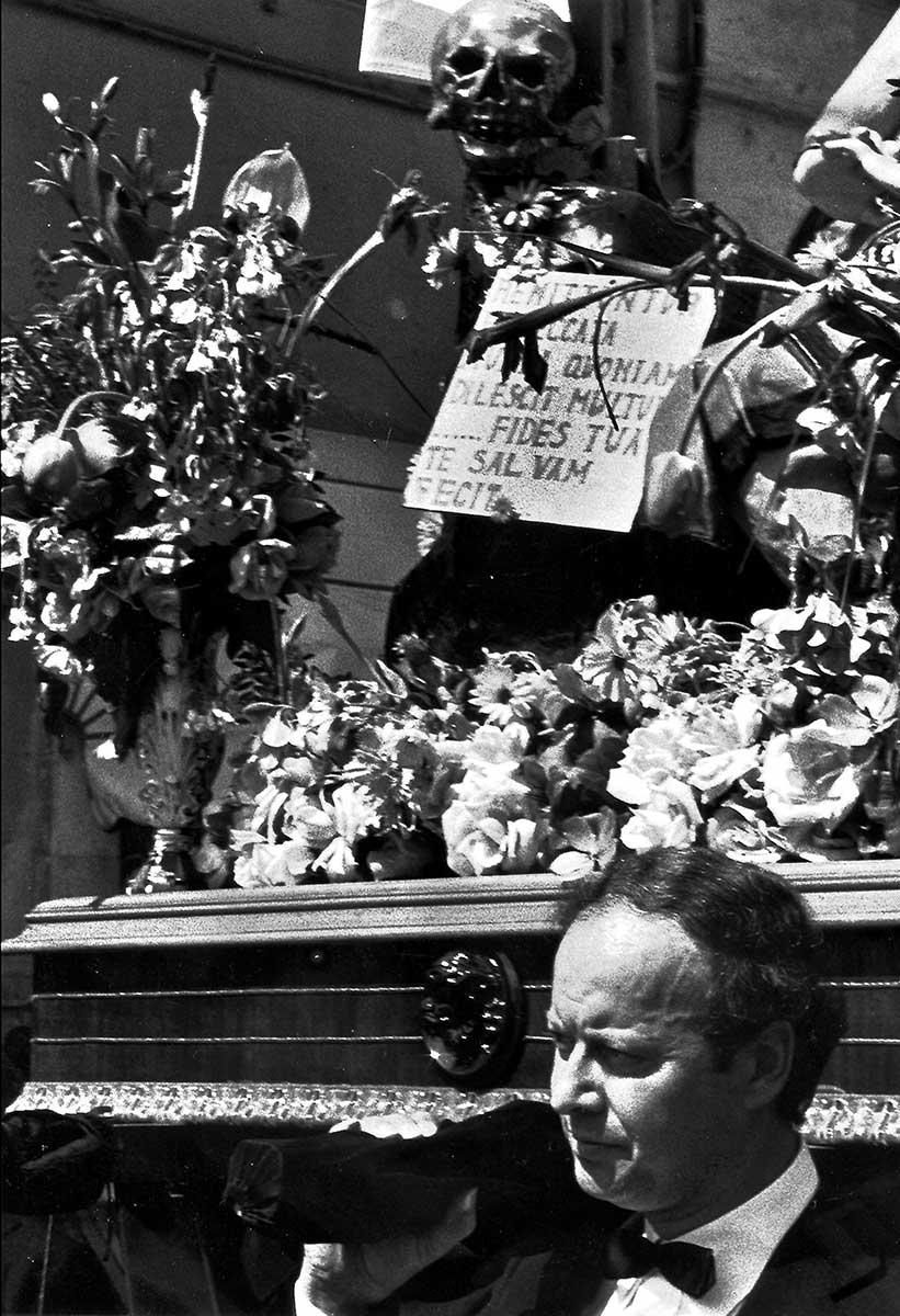 Settimana Santa in Puglia — Onofrio Mancini — Futuro Arcaico Archivio_1985