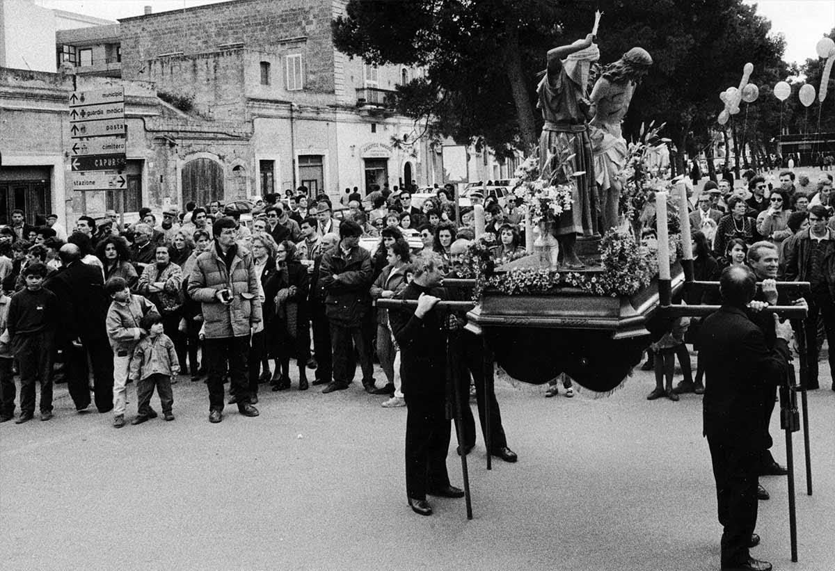 Settimana Santa in Puglia — Onofrio Mancini — Futuro Arcaico Archivio_1991